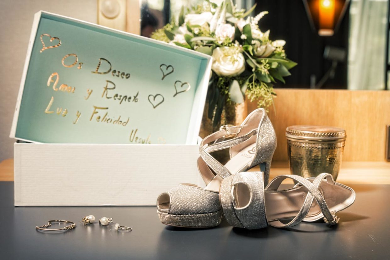 Detalles preparativos de la novia